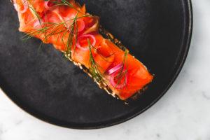 GRAINを使用したタルティーヌ | 港区 南青山のパン屋 BARTIZAN BREAD FACTORY